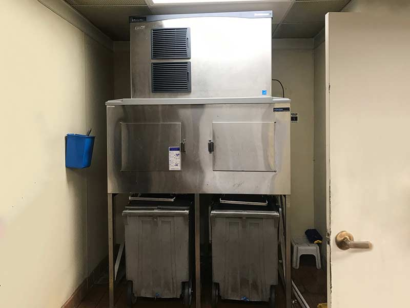 Industrial Icemaker Unit